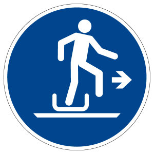 Mandatory sign - Get out of toboggan on the right - M051 - Self-adhesive film - Ø 5 cm